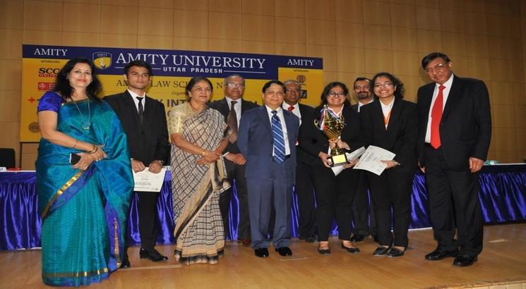 Law Luminaries interact with budding lawyers at Amity International Moot Court