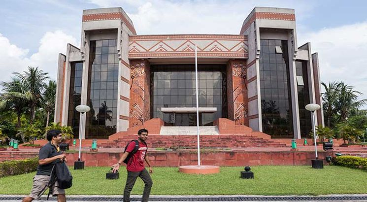 IIM Calcutta releases CAT 2018 Admit Card at 1 PM on October 24