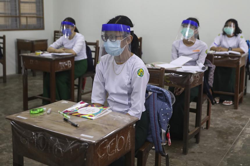 Gujarat education dept to prepare SOPs for schools, colleges