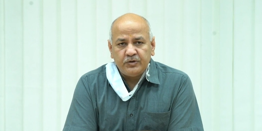 Manish Sisodia interacts with new school management committees
