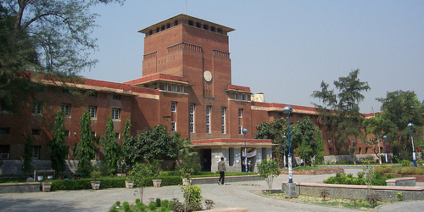 DU teachers holds protests over release of grants to colleges
