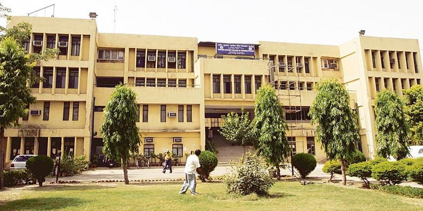 Delhi University: Unpaid for months, colleges teachers face eviction