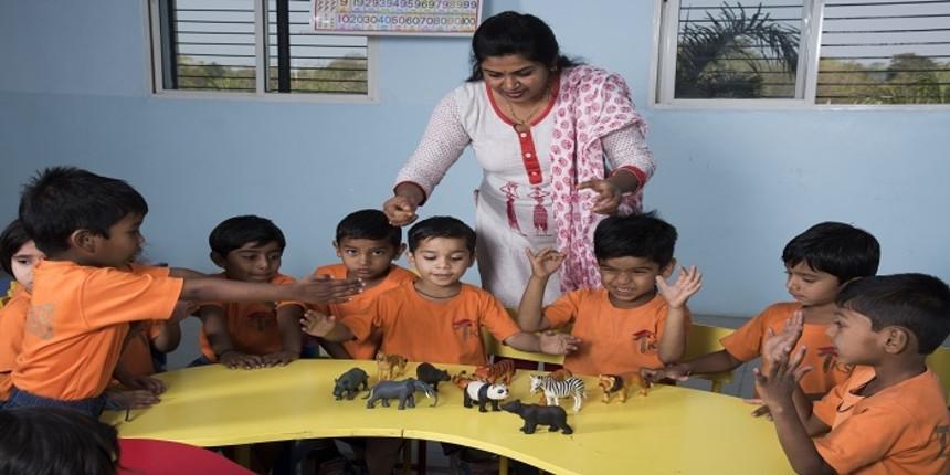 Delhi Government now puts school teachers on airport duty