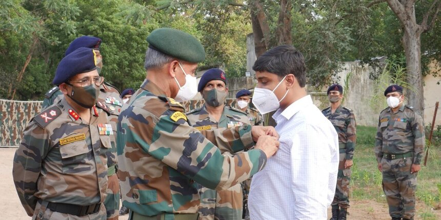 IIT prof gets Commendation Card for developing 3D printed defence structures for Army