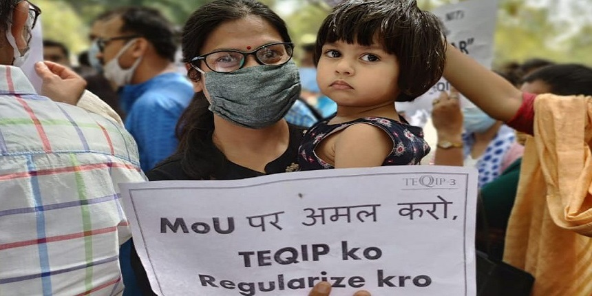 Engineering teachers facing unemployment protest at Jantar Mantar