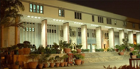 HC dismisses challenge to the minimum age criteria to appear for NEET; imposes Rs 10K costs