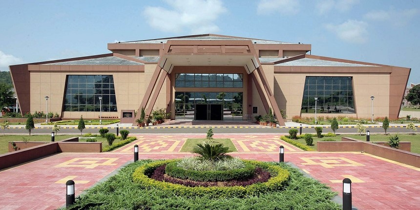 SMVDU, JMC sign agreement for 'smart' makeover of Jammu city