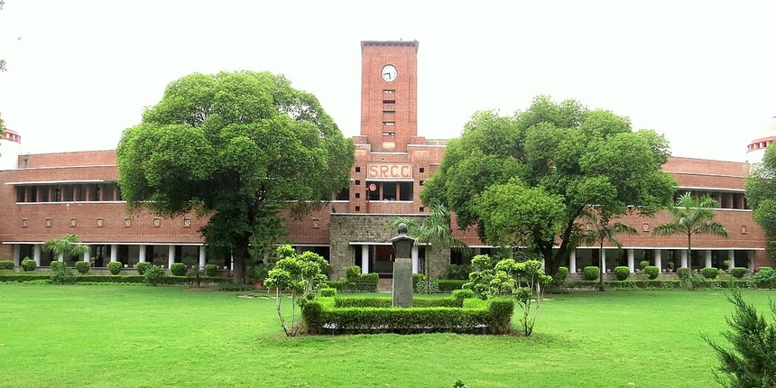 Delhi university receives more than 8000 UG applications within 2 hours