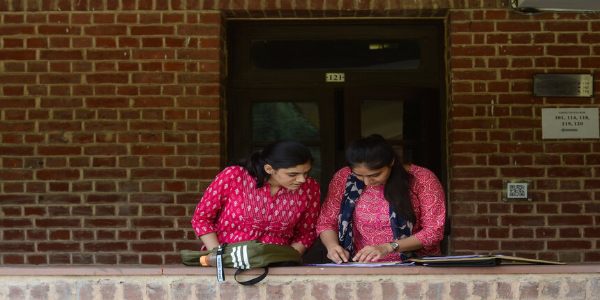 DU Cut Off 2021: Check previous years first cut off scores of Hansraj College