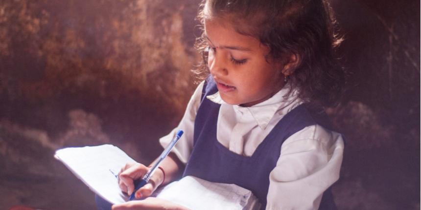 Bengal teacher brings classroom to students' doorstep in COVID-19 pandemic