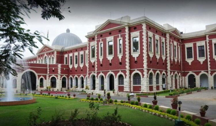 JSSC: PIL in Jharkhand HC against Govt decision to exclude Hindi as language in exam