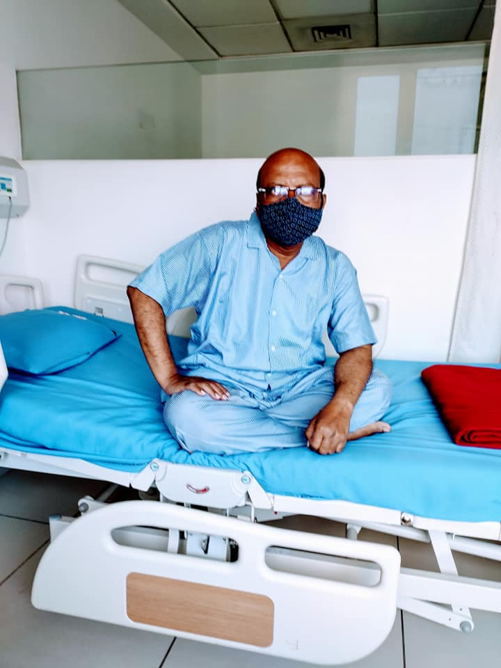 Anant-Deogaonkar-at-hospital-COVID-19