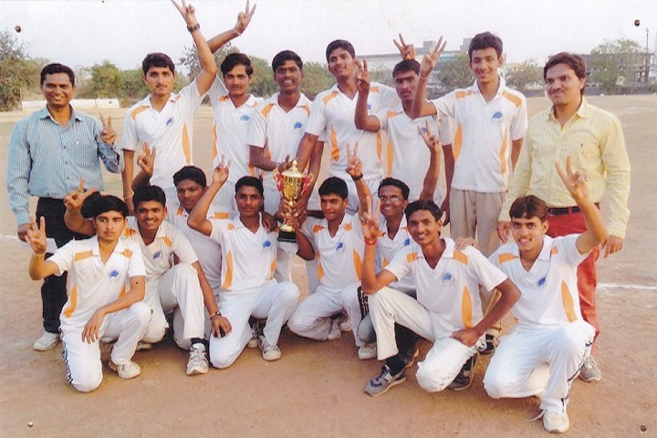 https://cache.careers360.mobi/media/colleges/social-media/media-gallery/10077/2019/9/27/Sports of Rasiklal M Dhariwal College of Pharmacy Kada_Sports.jpg