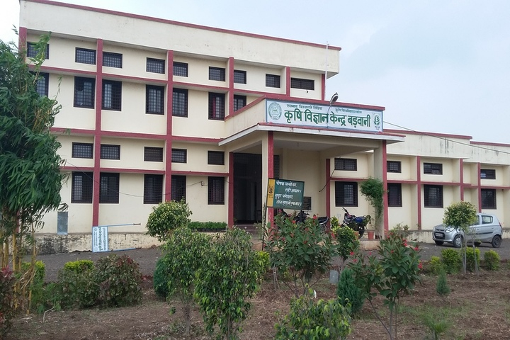 https://cache.careers360.mobi/media/colleges/social-media/media-gallery/1010/2019/6/26/Campus-View of Rajmata Vijayaraje Scindia Krishi Vishwavidyalaya Gwalior_Campus-View.jpg