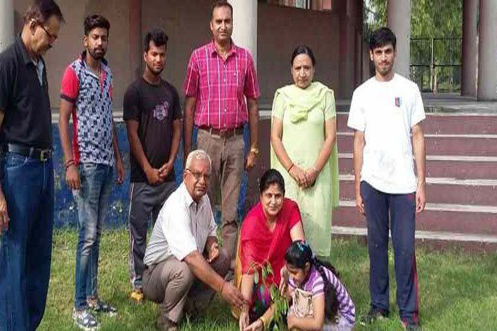 https://cache.careers360.mobi/media/colleges/social-media/media-gallery/10110/2016/8/25/SD-College-Hoshiarpur-(9).JPG