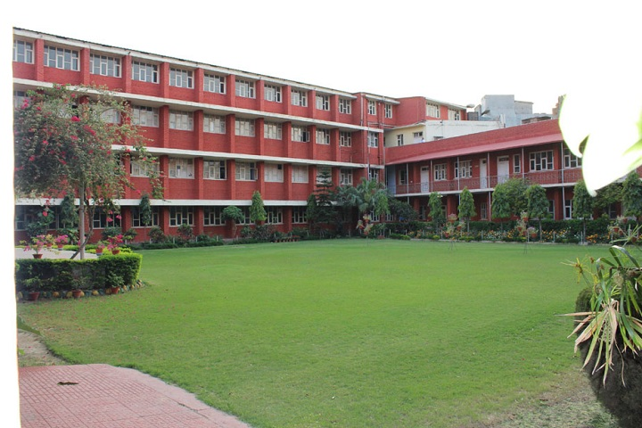 https://cache.careers360.mobi/media/colleges/social-media/media-gallery/10117/2020/2/21/College View of Guru Nanak Girls College Ludhiana_Campus-View.jpg