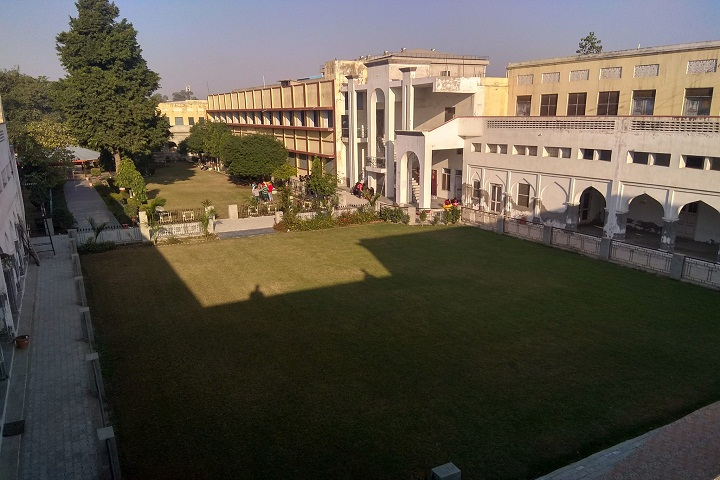 https://cache.careers360.mobi/media/colleges/social-media/media-gallery/10121/2021/1/22/Campus side view of DM College Moga_Campus-view.jpg