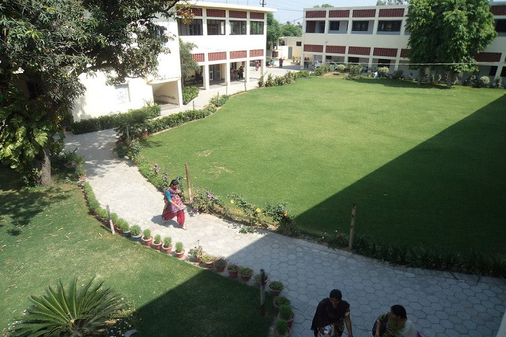 https://cache.careers360.mobi/media/colleges/social-media/media-gallery/10124/2019/2/15/Campus building of Swami Ganga Giri Janta Girls College Ludhiana_Campus-view.jpg
