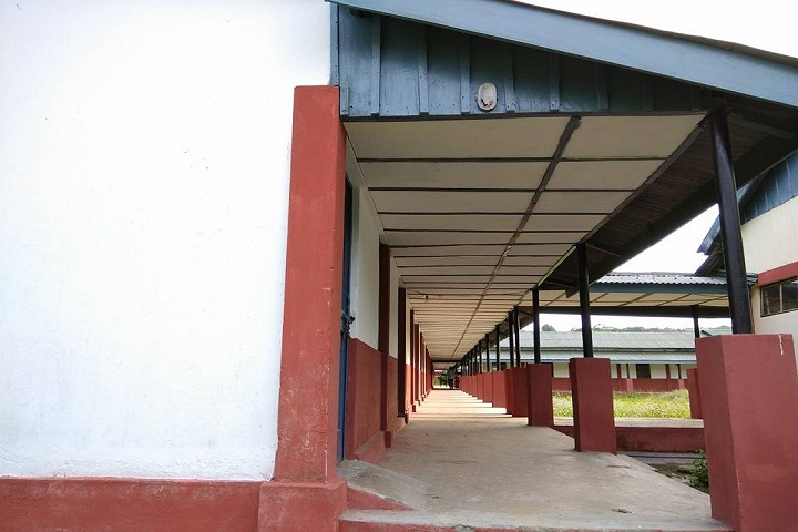 https://cache.careers360.mobi/media/colleges/social-media/media-gallery/10138/2021/2/8/Campus inner view of Dera Natung Government College Itanagar_Campus-view.jpg