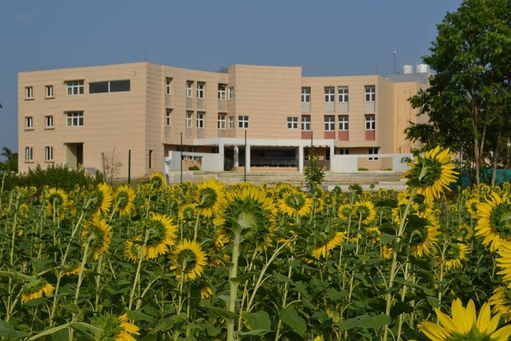 https://cache.careers360.mobi/media/colleges/social-media/media-gallery/10211/2019/5/3/Campus View Of Imperial College Bargarh_Campus-View.jpg