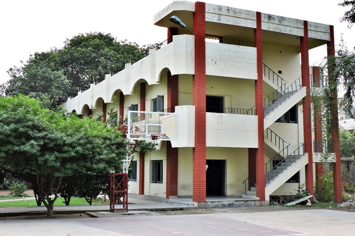 https://cache.careers360.mobi/media/colleges/social-media/media-gallery/10235/2019/5/15/College view of Shahzada Nand College Amritsar_Campus-View.jpg