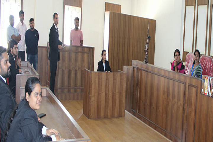 https://cache.careers360.mobi/media/colleges/social-media/media-gallery/10256/2019/5/18/Moot Court of The Oxford College of Law Bangalore_Moot-Court.png