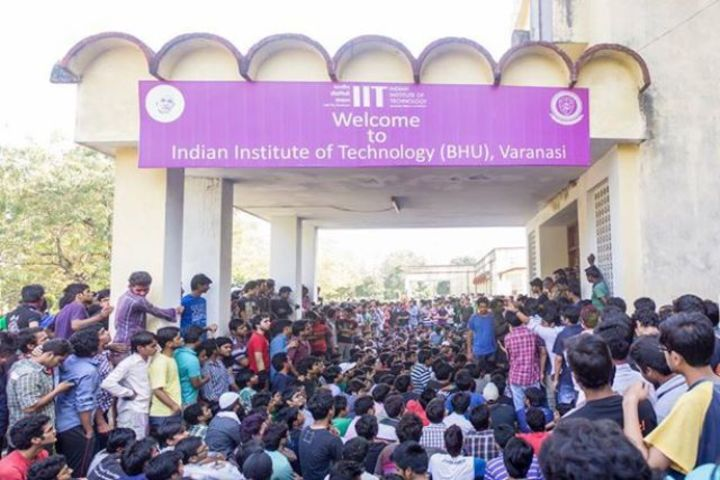 https://cache.careers360.mobi/media/colleges/social-media/media-gallery/103/2018/5/31/IIT-BHU-11.jpg