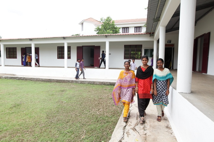 https://cache.careers360.mobi/media/colleges/social-media/media-gallery/10440/2018/12/10/Campus View of Swami Dayananda College of Arts and Science Manjakkudi_Campus-View.jpg