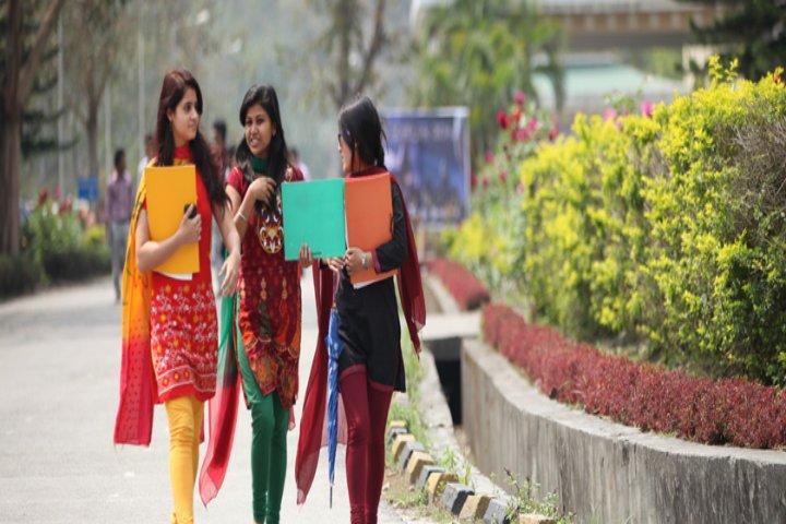 https://cache.careers360.mobi/media/colleges/social-media/media-gallery/1055/2017/10/6/Sikkim-Manipal-University-Gangtok5.jpg