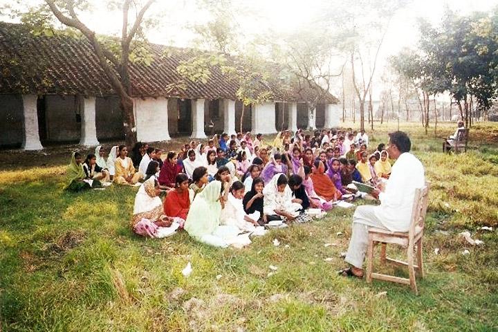 https://cache.careers360.mobi/media/colleges/social-media/media-gallery/10578/2016/7/4/Maulana-Azad-Degree-College-Gonda-(15).jpg