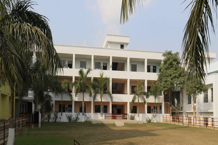 https://cache.careers360.mobi/media/colleges/social-media/media-gallery/10731/2019/7/19/Campus view of Ranjith college of education_Campus-View.jpg