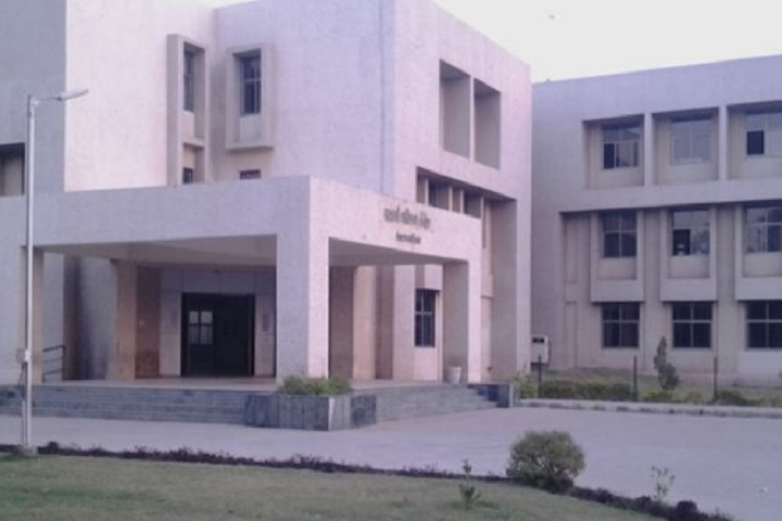 https://cache.careers360.mobi/media/colleges/social-media/media-gallery/10900/2018/9/22/Campus View of Government Commerce College Gandhinagar_Campus-View.jpg
