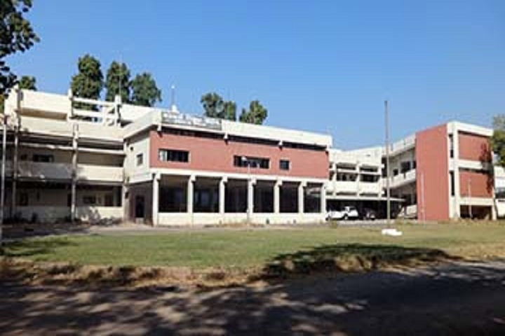 https://cache.careers360.mobi/media/colleges/social-media/media-gallery/10904/2018/10/27/Campus view of Government Science College Gandhinagar_Campus-view.jpg