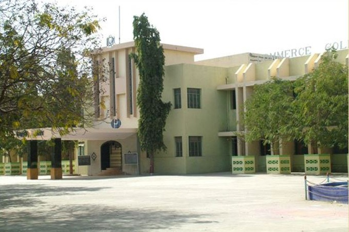 https://cache.careers360.mobi/media/colleges/social-media/media-gallery/10921/2019/2/26/Campus View of Popatlal Dhanjibhai Malaviya College of Commerce Rajkot_Campus-View.JPG