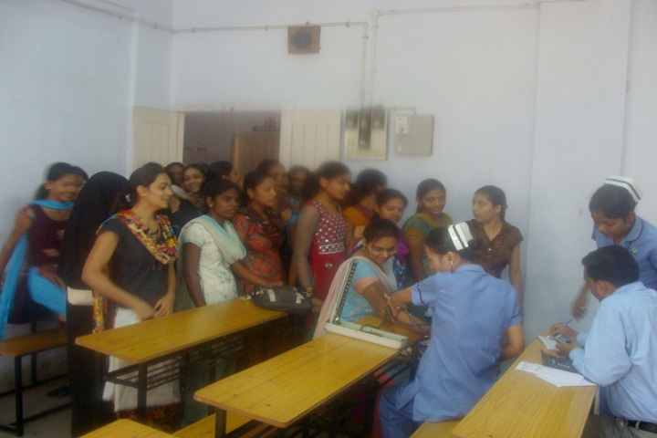 https://cache.careers360.mobi/media/colleges/social-media/media-gallery/10954/2019/2/26/Medical check at campus of ZF Wadia Womens College and NK Jhota College of Commerce Surat_Others.jpg
