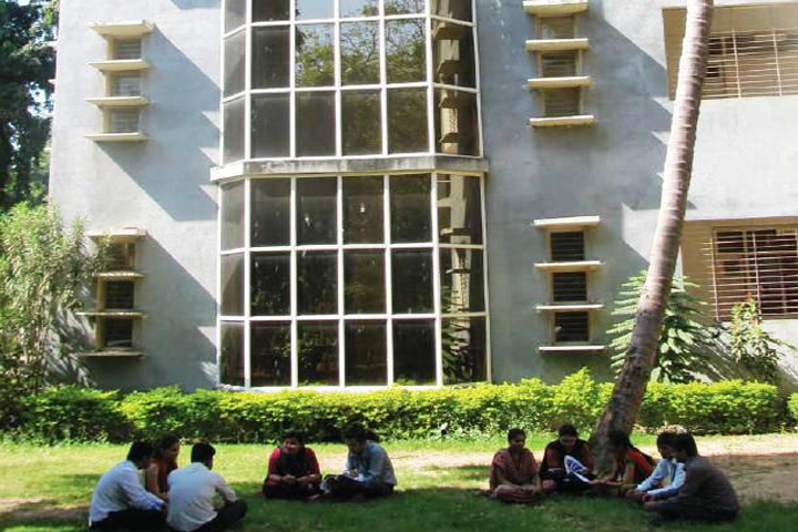 https://cache.careers360.mobi/media/colleges/social-media/media-gallery/10978/2018/11/28/Campus View of Institute of Language Studies and Applied Social Sciences Anand_Campus-View.jpg