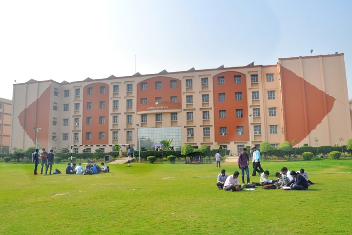 https://cache.careers360.mobi/media/colleges/social-media/media-gallery/11/2018/10/10/Campus View of Lingayas Vidyapeeth Faridabad_Campus-View.jpg