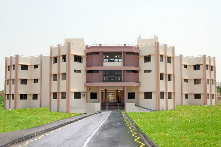 https://cache.careers360.mobi/media/colleges/social-media/media-gallery/11037/2019/3/15/Campus View of Shri Vatavriksha Swami Maharaj Devashtans Polytechnic Akkalkot_Campus-View.jpg