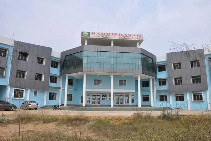 https://cache.careers360.mobi/media/colleges/social-media/media-gallery/11046/2018/10/12/Campus of Badriprasad Institute of Technology, Sambalpur_Campus-View.jpg