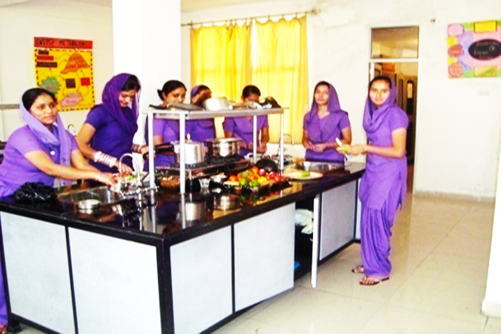 https://cache.careers360.mobi/media/colleges/social-media/media-gallery/11084/2016/7/7/Sant-Baba-Bhag-Singh-Institute-of-Nursing-Jalandhar-(15).jpg