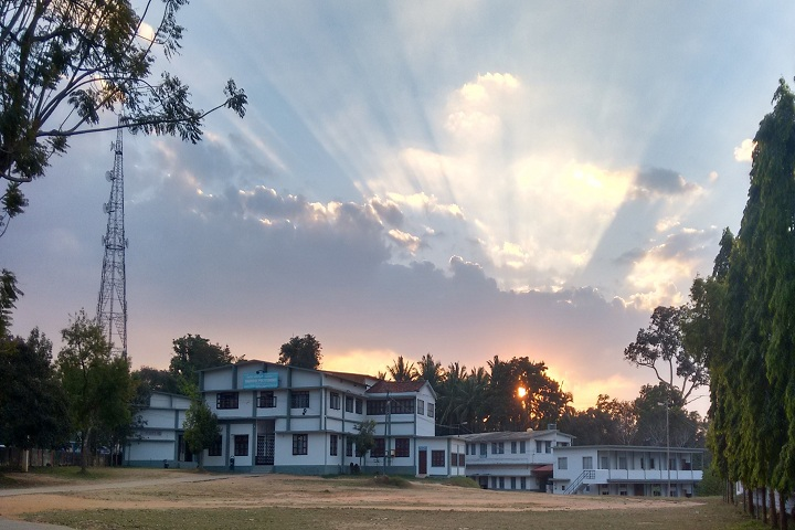 https://cache.careers360.mobi/media/colleges/social-media/media-gallery/11174/2019/3/2/Main Campus View of Cauvery Polytechnic Gonikoppal_Campus-View.jpg