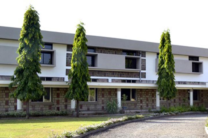 https://cache.careers360.mobi/media/colleges/social-media/media-gallery/11196/2018/9/14/Campus View of Raibag Polytechnic Raibag_Campus-View.jpg
