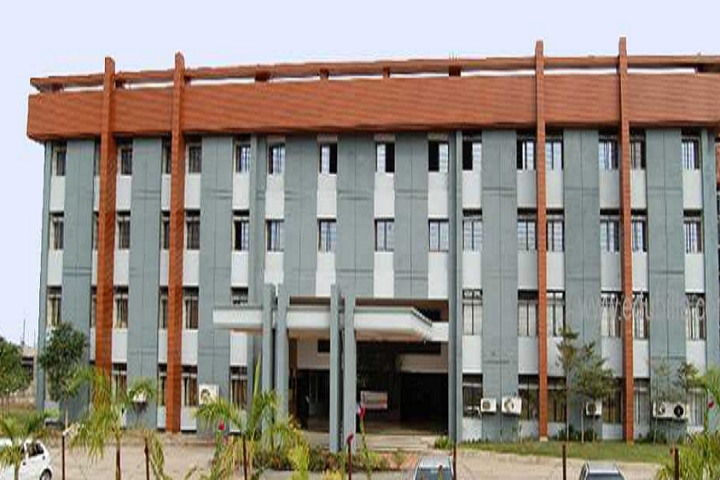 https://cache.careers360.mobi/media/colleges/social-media/media-gallery/11244/2019/4/1/Campus View of NIT Polytechnic Nagpur_Campus-View.png