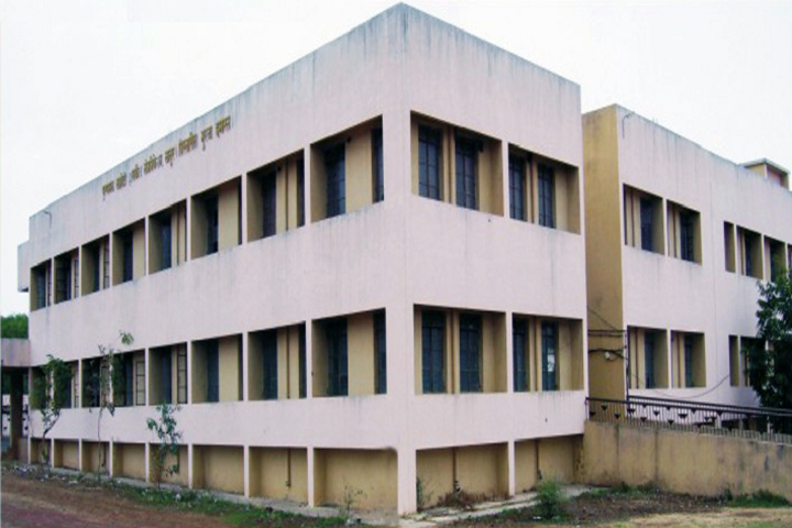 https://cache.careers360.mobi/media/colleges/social-media/media-gallery/11315/2019/3/7/College Building View of Puranmal Lahoti Government Polytechnic Latur_Campus-View.png
