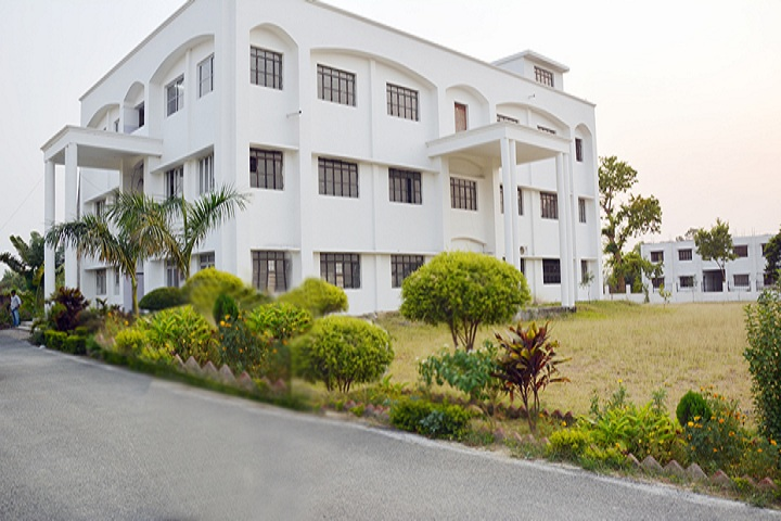https://cache.careers360.mobi/media/colleges/social-media/media-gallery/11326/2019/1/8/Campus View of Savitri Mahila Degree College Faizabad_Campus-view.jpg