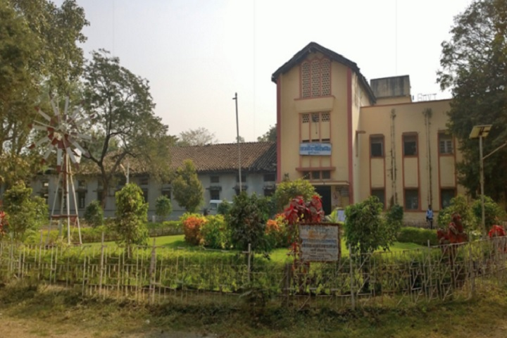 https://cache.careers360.mobi/media/colleges/social-media/media-gallery/11375/2018/11/27/campus view of Uday Prasad Uday Government Polytechnic Durg_campus-view.jpg