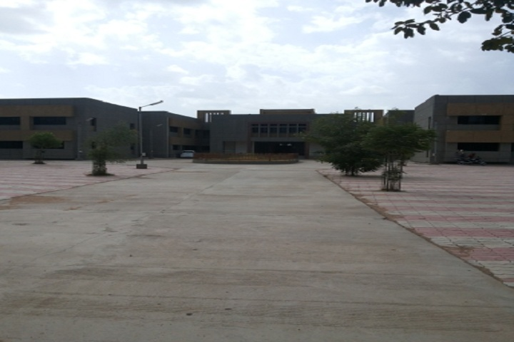 https://cache.careers360.mobi/media/colleges/social-media/media-gallery/11396/2019/3/15/Campus View of Government Polytechnic Rajkot_Campus-View.jpg