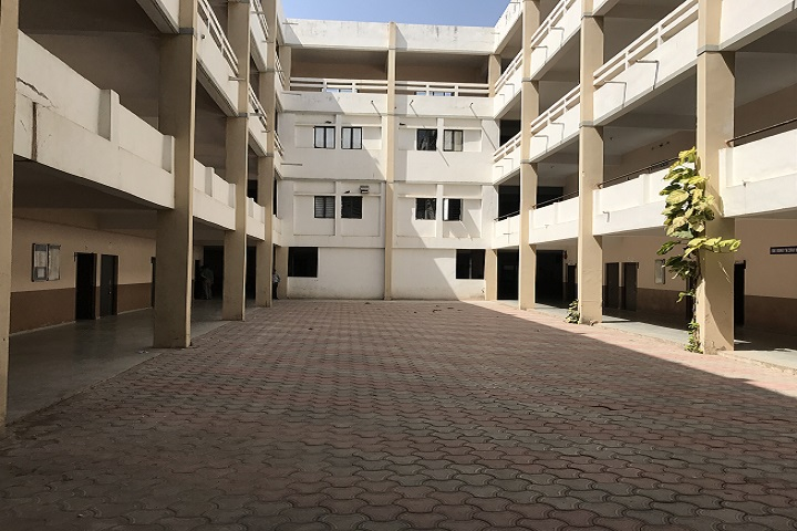 https://cache.careers360.mobi/media/colleges/social-media/media-gallery/11421/2019/3/2/Campus View of Image Engineering and Technical Institute Matar_Campus-View.jpg