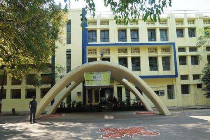 https://cache.careers360.mobi/media/colleges/social-media/media-gallery/11427/2018/9/22/Campus View of Government Polytechnic For Girls Ahmedabad_Campus-View.jpg