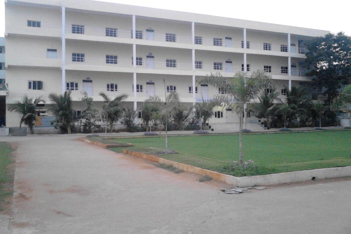 https://cache.careers360.mobi/media/colleges/social-media/media-gallery/11491/2019/9/27/College Adminitrative Building View of TRR College of Technology Hyderabad_Campus-View.jpg